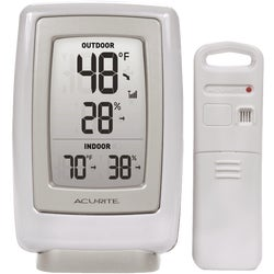 Item 618665, Indoor/outdoor temperature and humidity. Large, easy-to-read display.